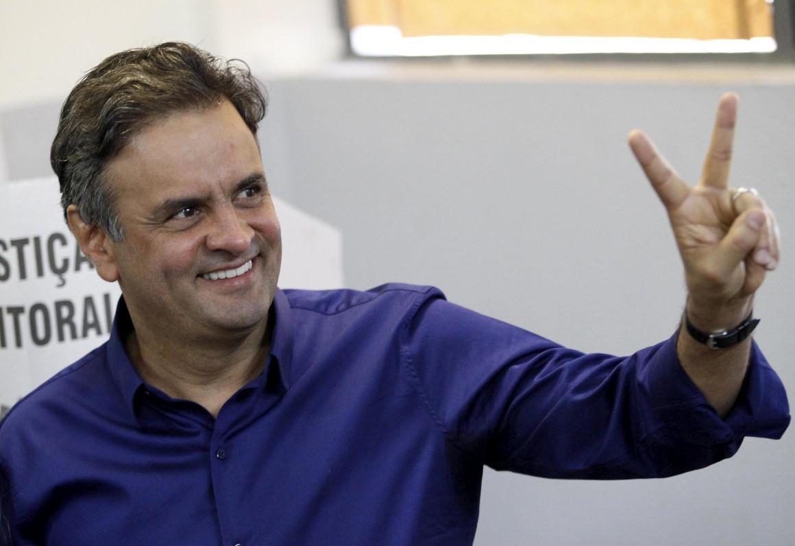 Aécio Neves vai disputar a segunda volta contra Dilma Rousseff
